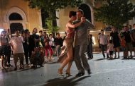 Argentine dancers perform tango special in Hanoi