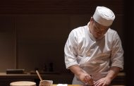 Experience the art of Japanese cuisine with Michelin-starred sushi chef Terado for the first time in Hanoi