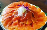 Where to eat salmon hotpot in Sapa?