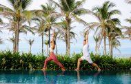 """Mövenpick Resort Cam Ranh ra mắt chương trình """"Yoga tại hồ bơi biệt thự"""" đầu tiên tại Cam Ranh"""